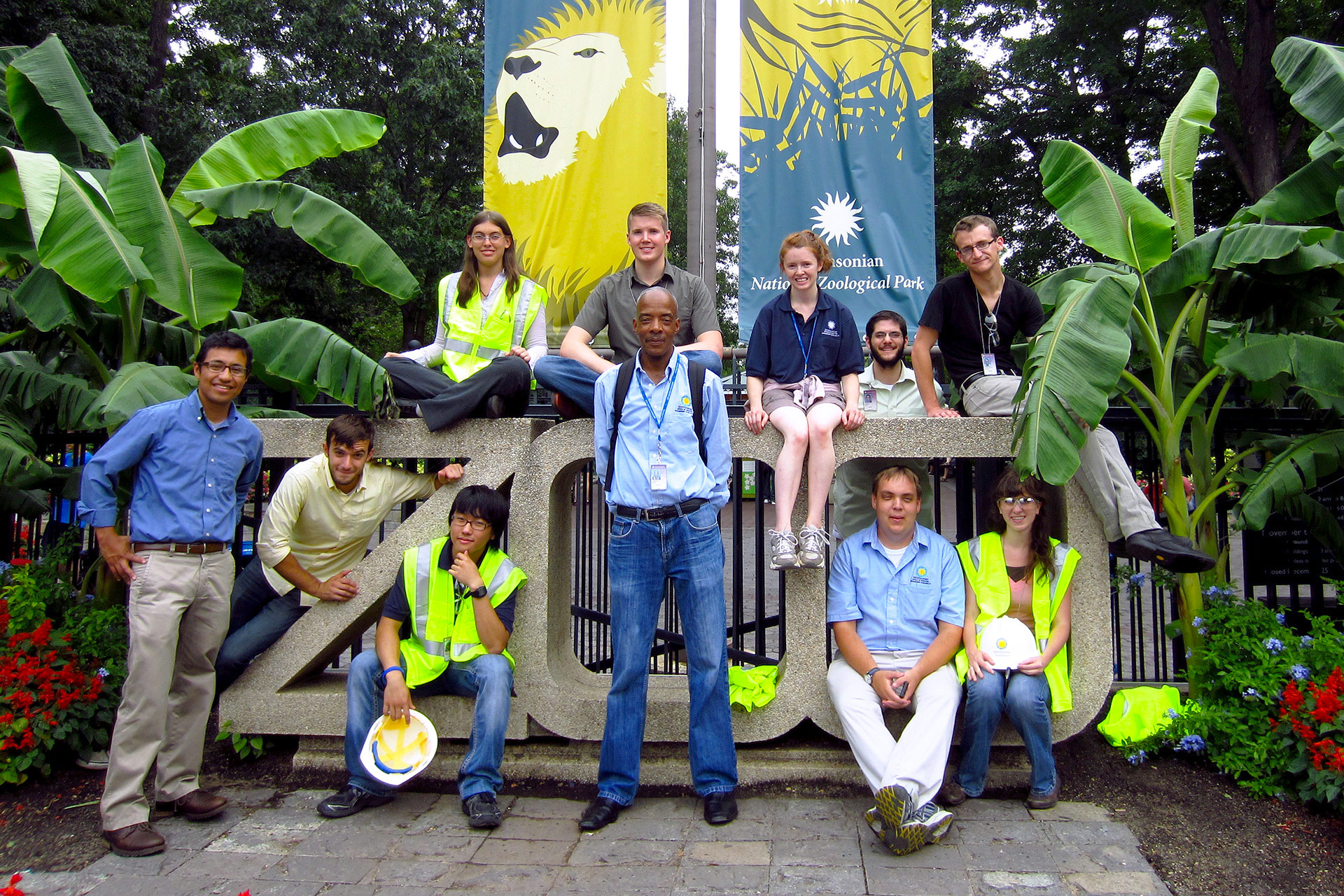 OFMR interns pose in front of the zoo